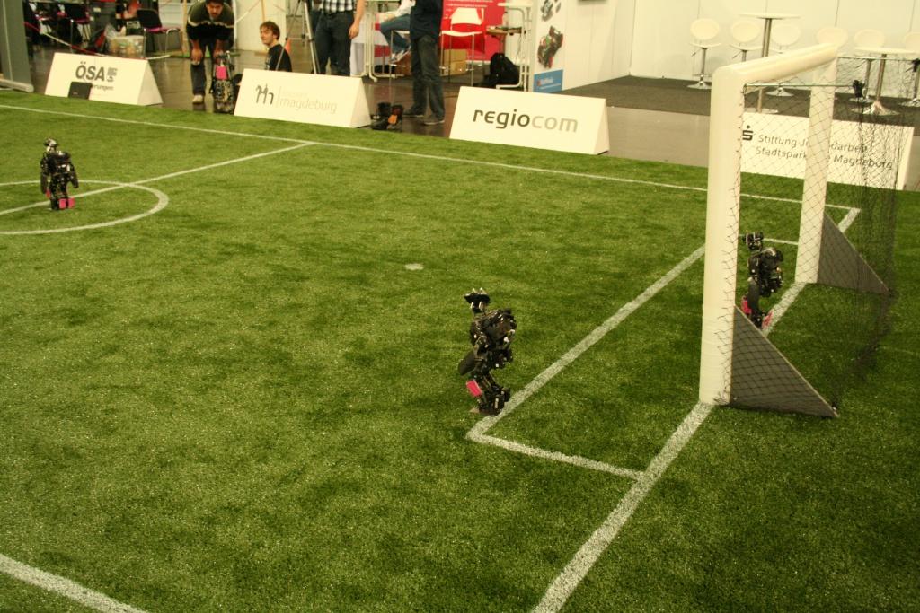 robots_on_field